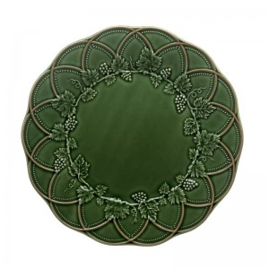 "Bordallo Pinheiro Hunting 11.02"" Dinner Plate VSAL1300"